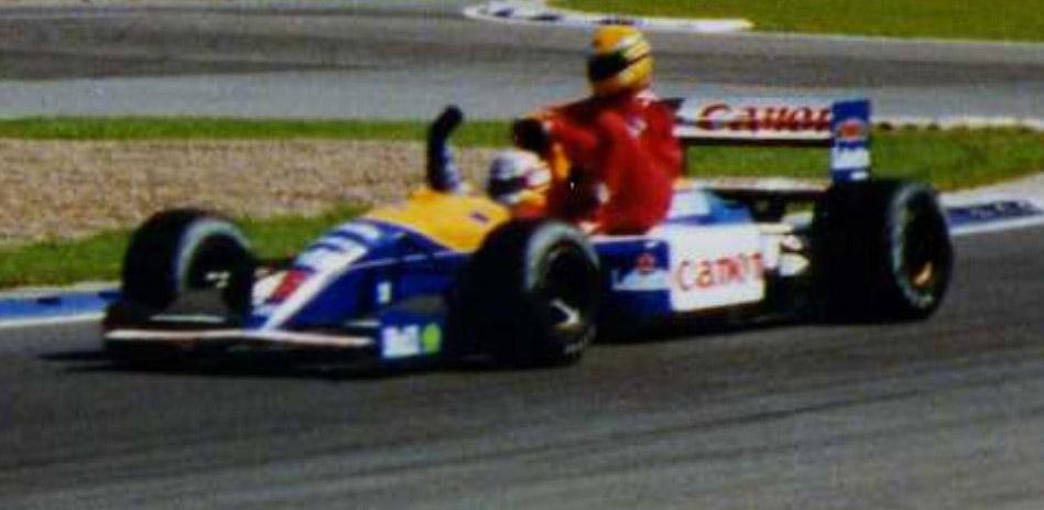Mansell_on_Senna.jpg